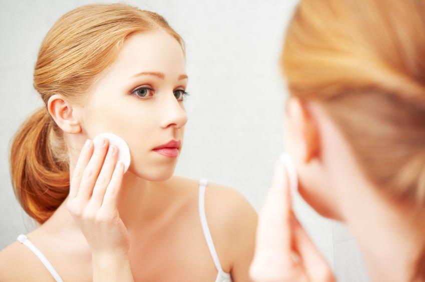 防水強、潤色強的產品就要卸妝